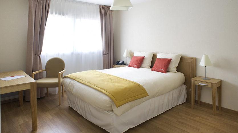 residence-seniors-orthez-domitys-chambre